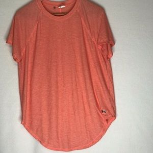 UNDER ARMOUR LARGE OVERSIZED BURN OUT T-SHIRT